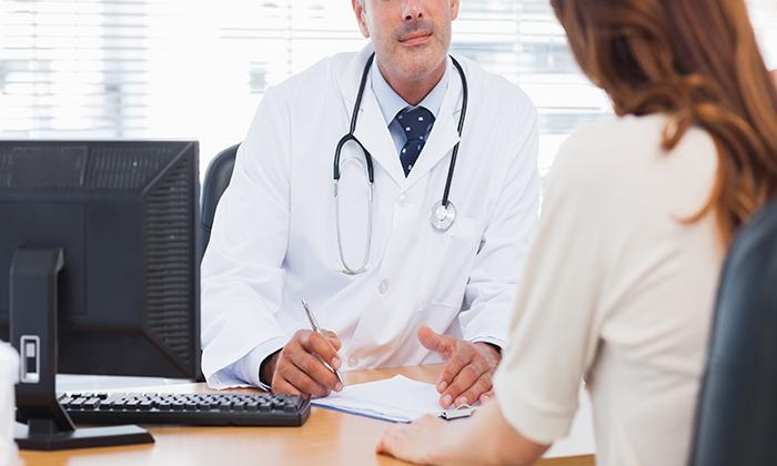 Plano de saúde deve custear cirurgia de redução de mamas